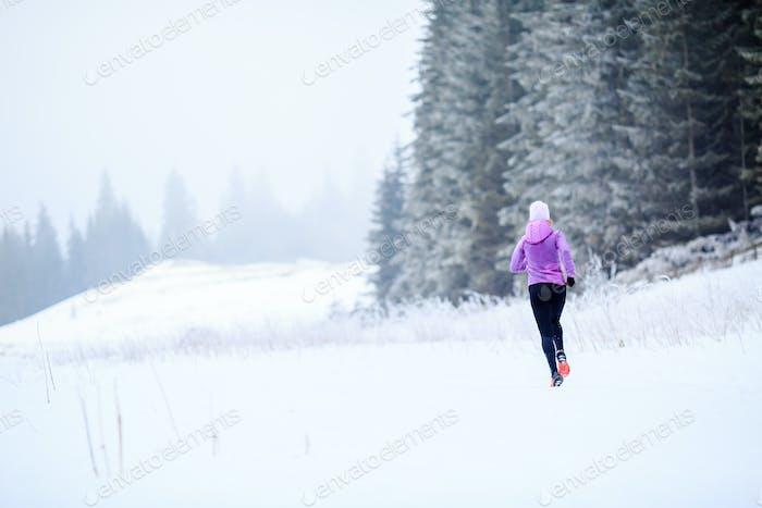 Femme d'inspiration et de motivation fitness, coureur
