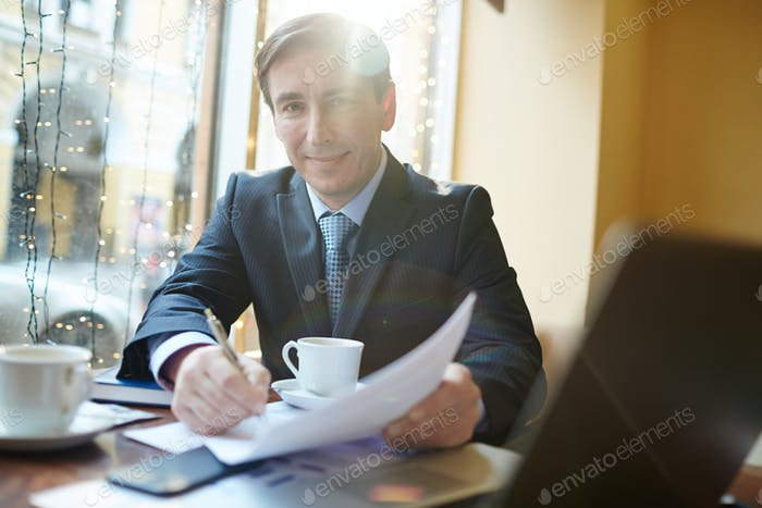 Finacial director