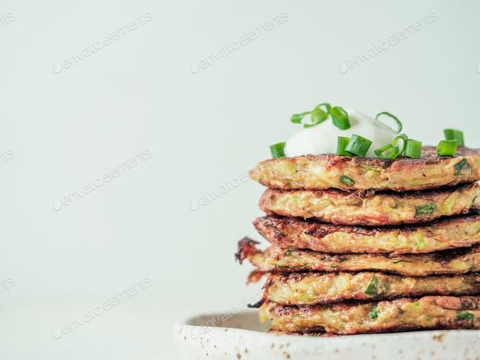 Glutenfreie Zucchini Krapfen, Kopierraum