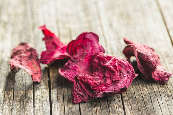 Dried beetroot chips.