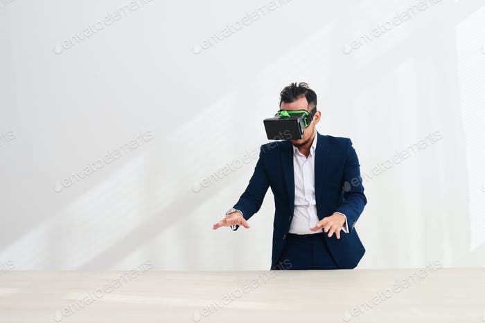Testing VR application