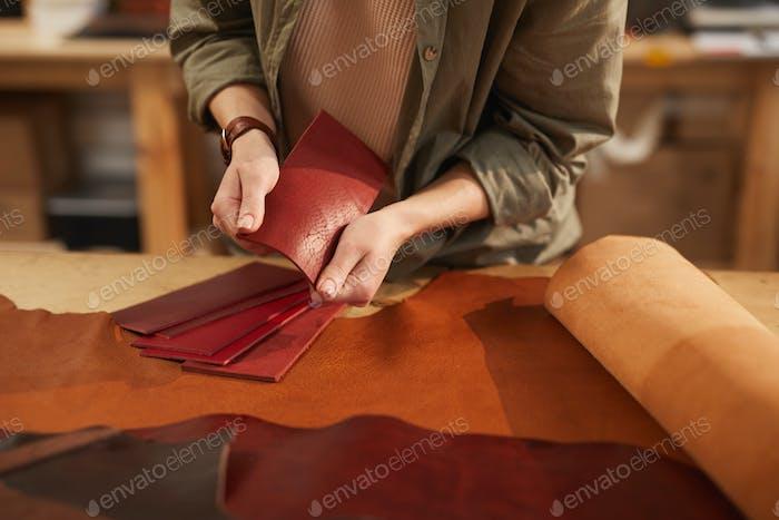 Wählen Sie Ledermaterial für Handwerksarbeiten
