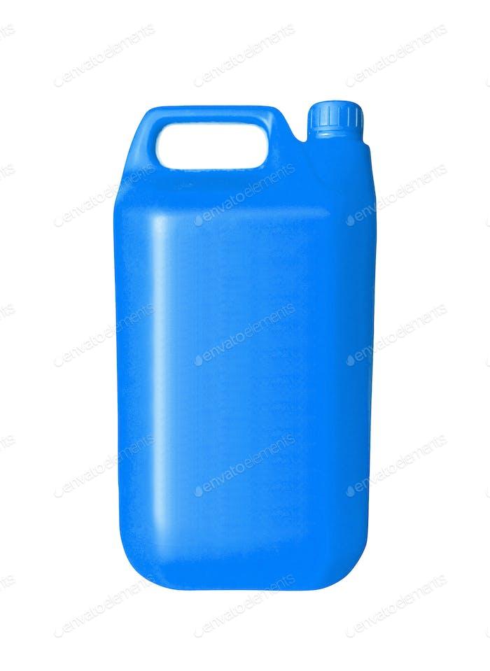 Blaue Kunststoff-Kanister auf weißem Hintergrund