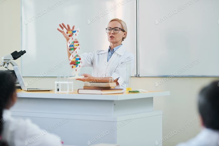 Explaining dna structure