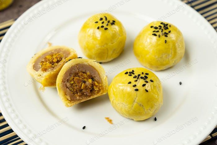 Shanghai Yamspaste mit Schweinefleisch Mooncake