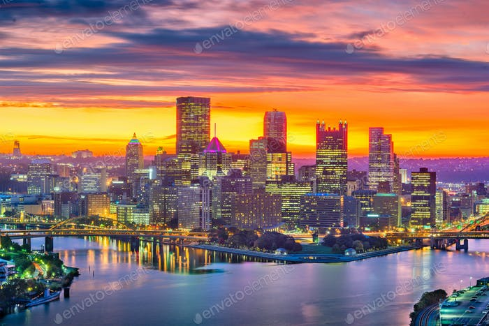 Pittsburgh, Pennsylvania, USA city skyline.