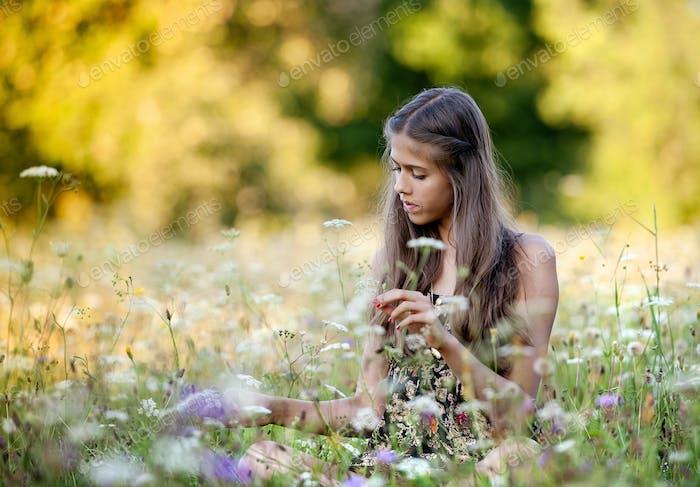 Outdoor portrait of teenage girl