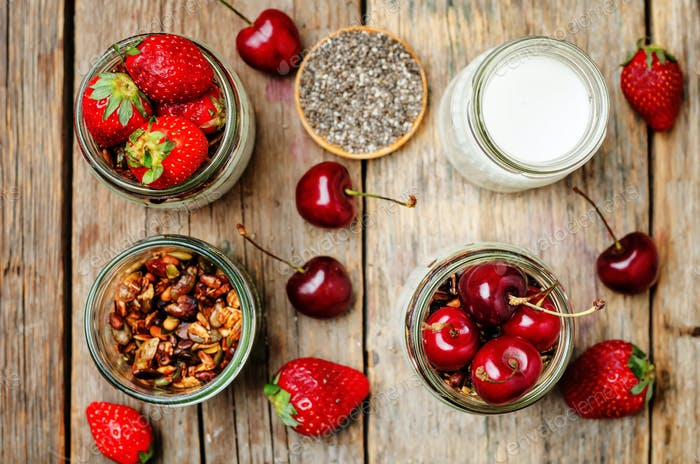 Chia seeds granola Greek yoghurt pudding with berries