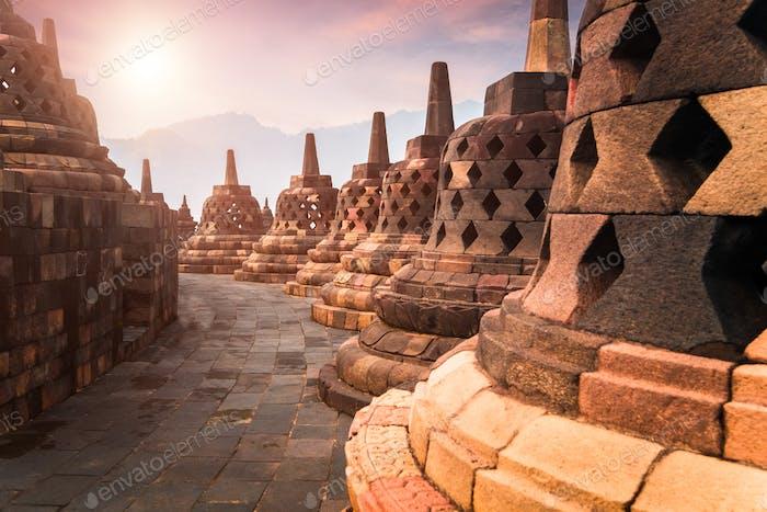 Antiguo templo budista Borobudur. Java, Indonesia