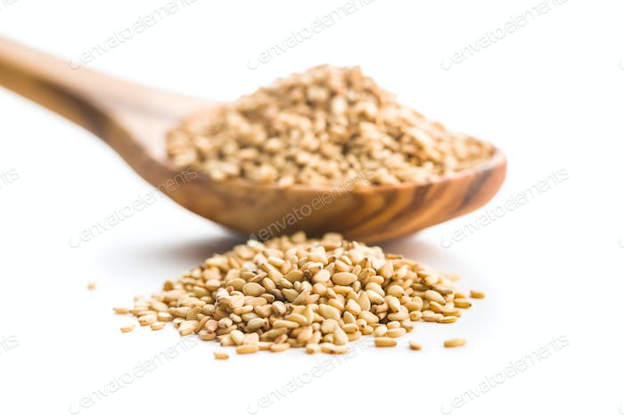 Roasted sesame seeds.
