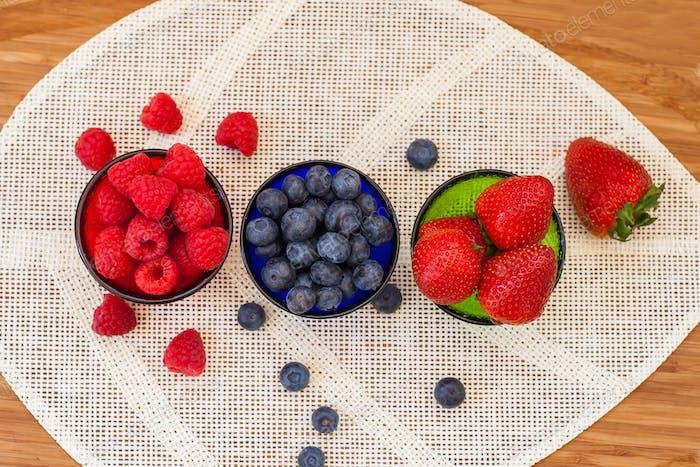 Berries (strawberries, raspberries, blueberries)