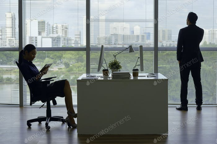 Business team working in modern office