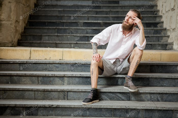 Bearded guy posing outdoor