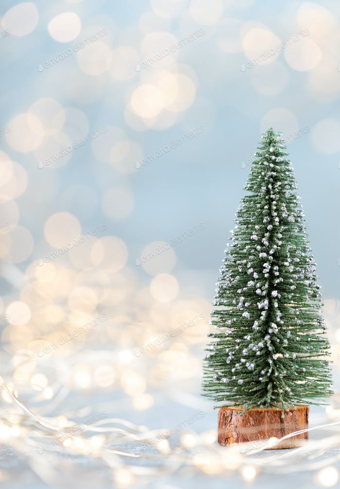 Weihnachtsbaum auf Bokeh Hintergrund.
