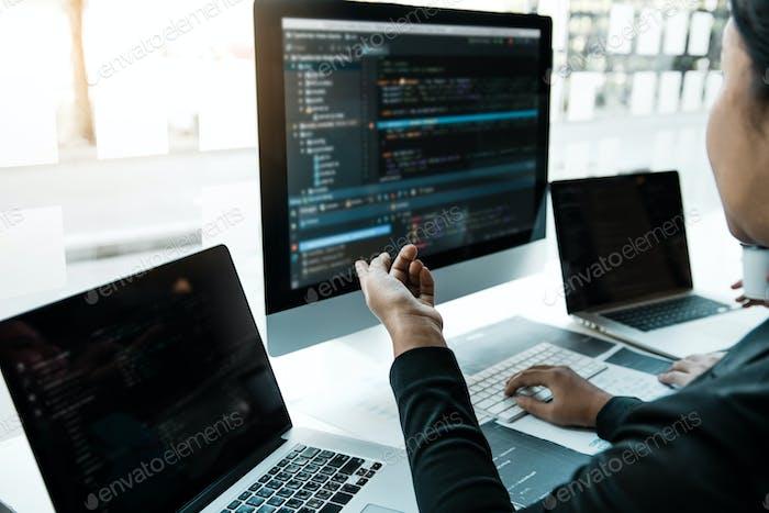 Reunión cooperativa del programador de desarrollo profesional