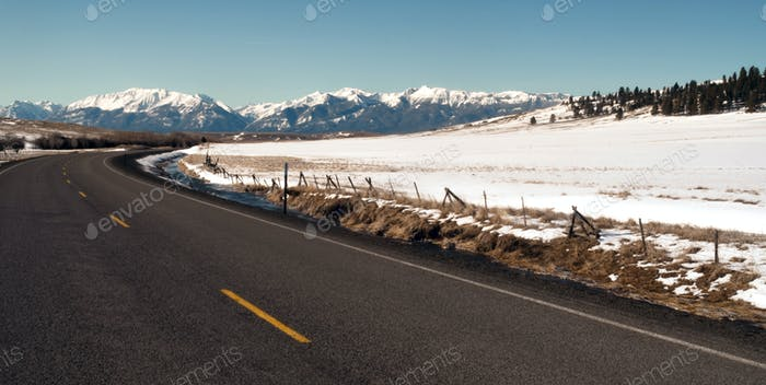 Roaad Curves Towards The Wallowa Mountains Joseph Oregon USA
