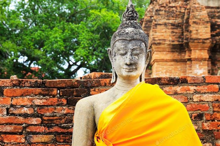Antike Buddha in Ayuthaya, Thailand