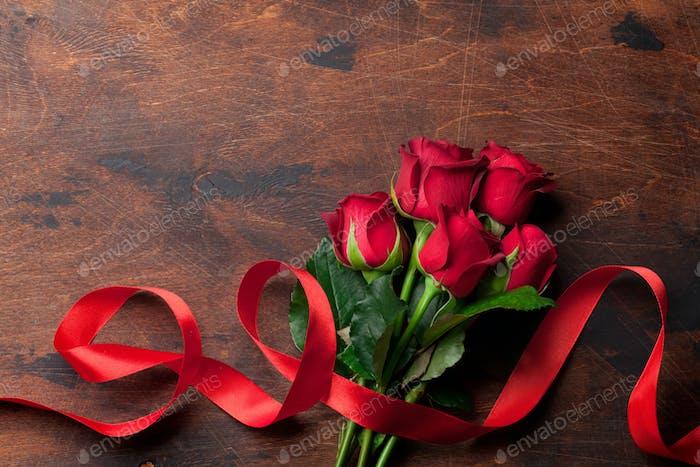 Rote Rosenblüten Blumenstrauß