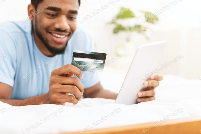 Man check credit card balance via online application
