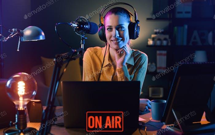 Rundfunk auf Sendung im Radiosender
