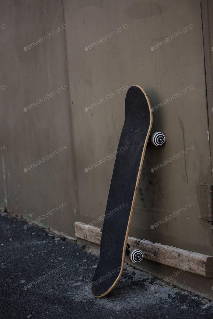 Longboard skating