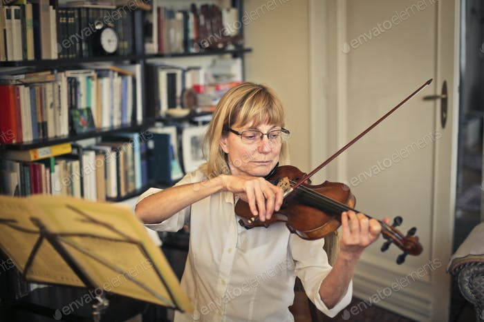 Woman playing the violin