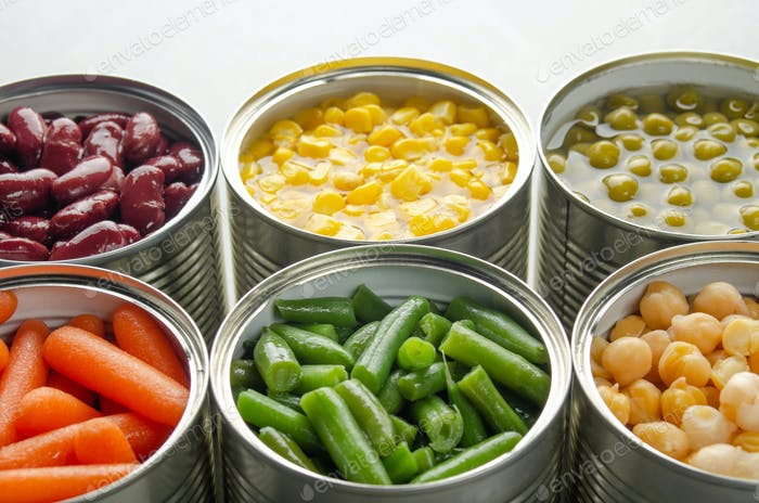 Canned carrots, chickpeas, kidney beans, green beans, peas and corn