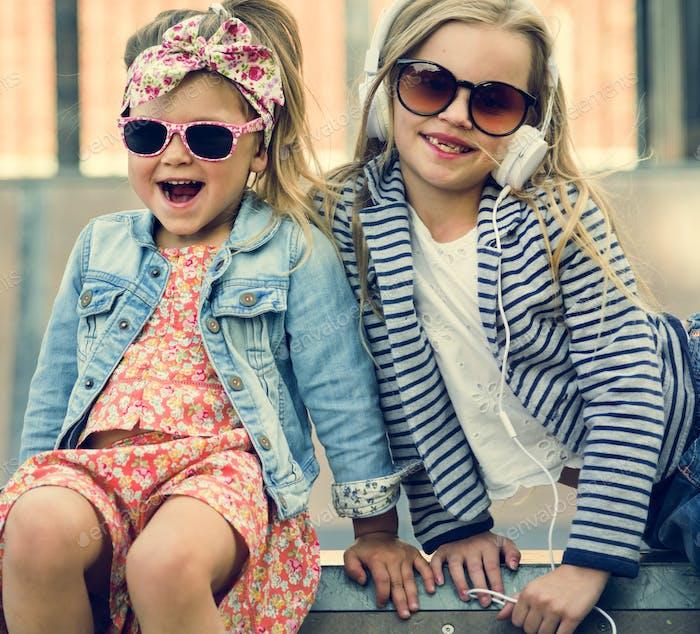 Сестра Бадди Модные Девушки Концепция