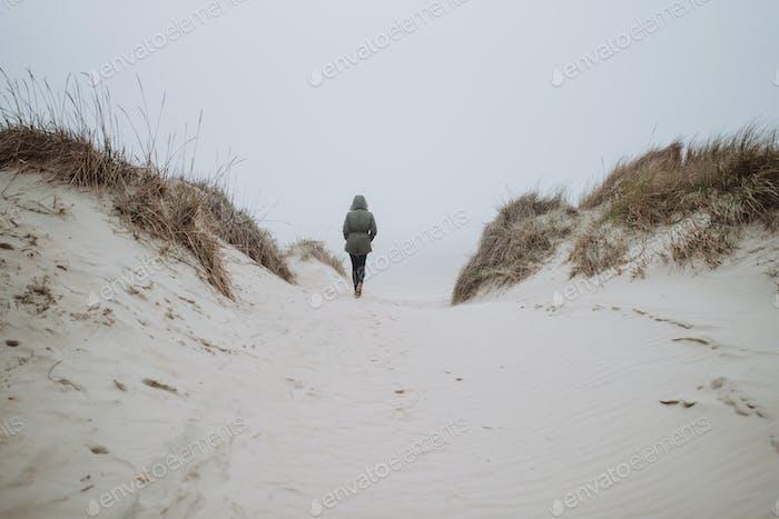 Wandern am Winterstrand