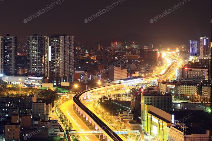 the traffics on the street