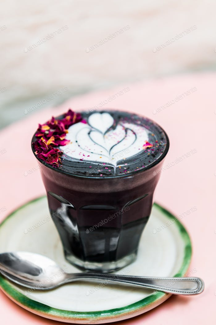 Black Latte from activated charcoal