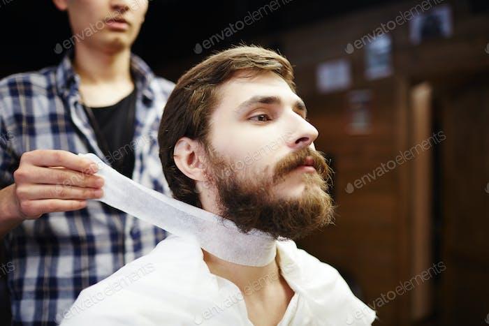 Vor dem Haarschnitt