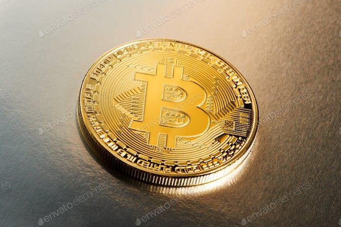 Criptomoneda Bitcoin única en un gradiente