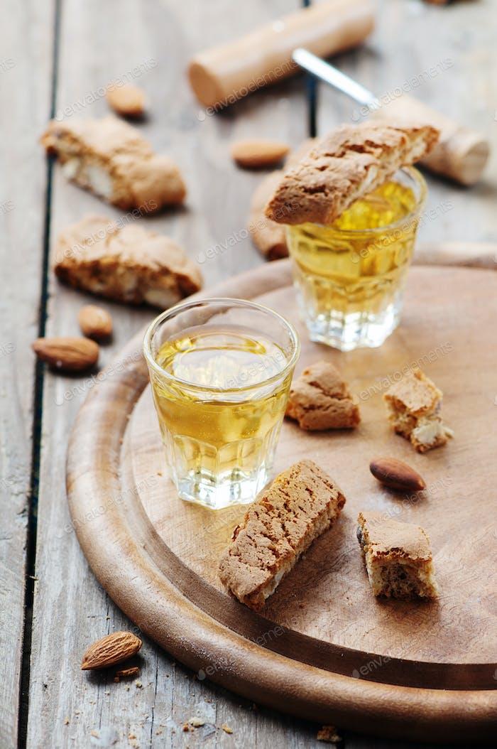 Italian cookie cantuccini and wine
