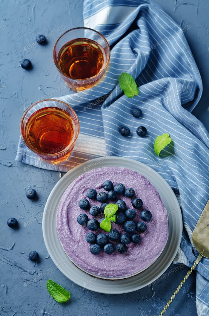 Raw vegan Blueberry Cashews cake
