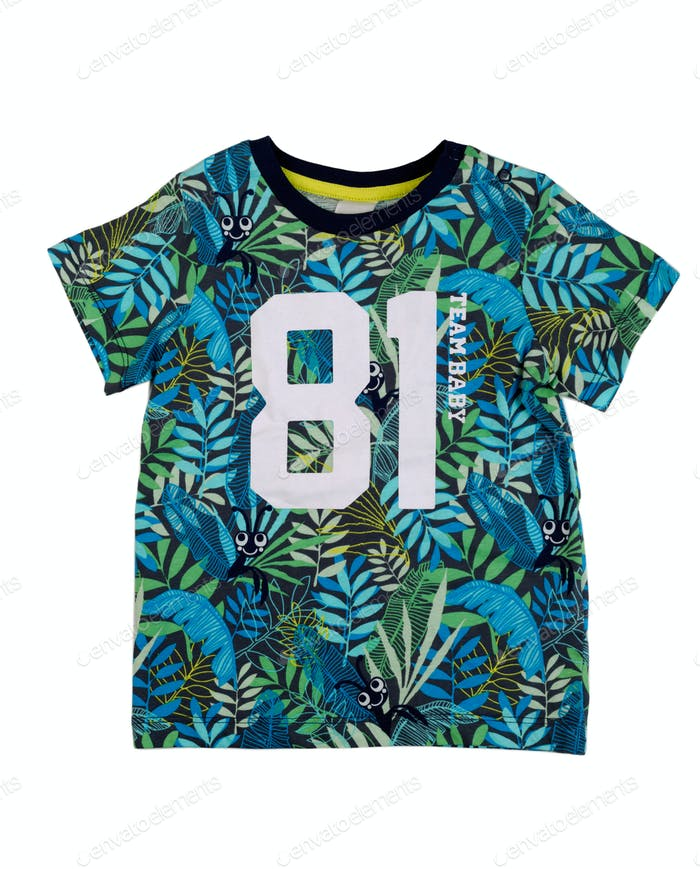 T-shirt with a tropical pattern.