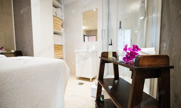 Relaxation treatments in spa wellness saloon