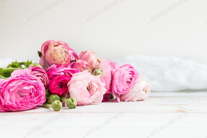 Bouquet de Ranunculus rose, Fleurs renoncule