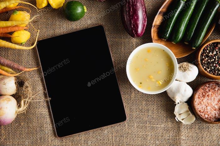 Herbst flach lag mit Tablet-PC