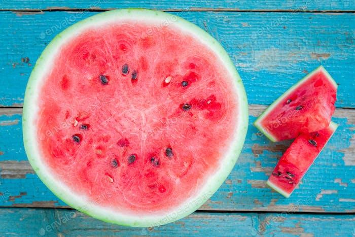 Scheiben frische saftige Bio-Wassermelone