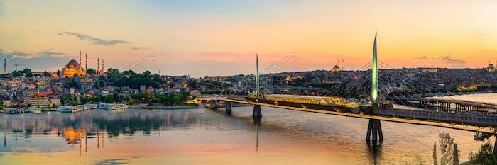 Золотой Рог и мост