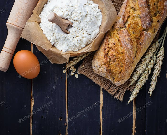 Baking ingredients, spikelets and bread
