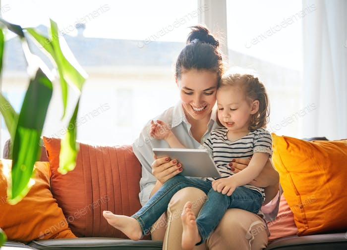 mom and child with tablet