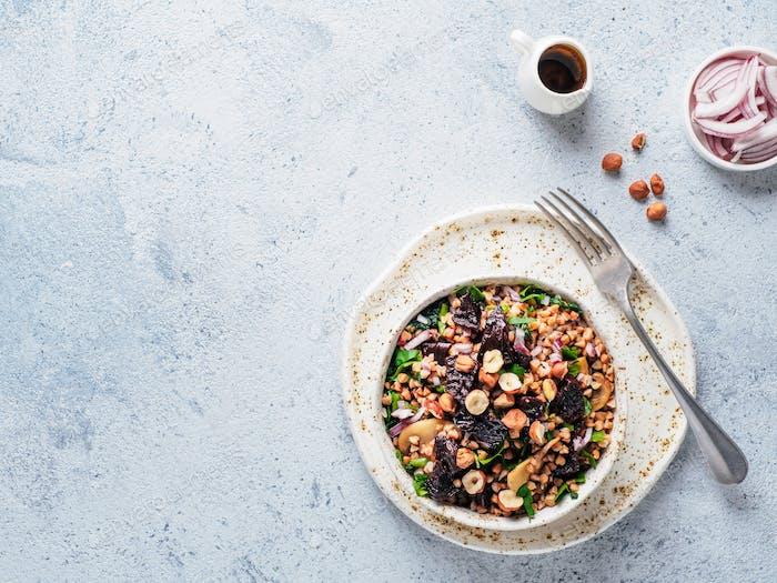 Warmer Buchweizen- und Rote-Bete-Salat