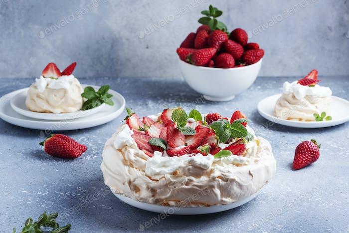Cake Pavlova with meringue, strawberry and cream