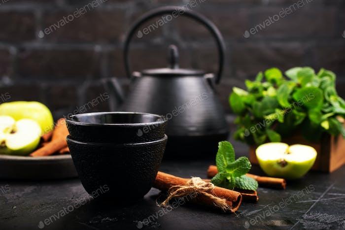 Tee in Teekanne