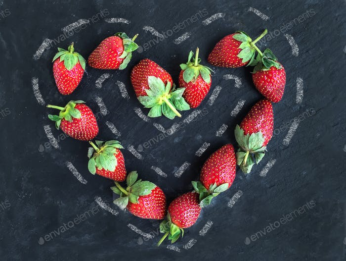 Saint Valentine's day greeting berry set: fresh garden strawberr