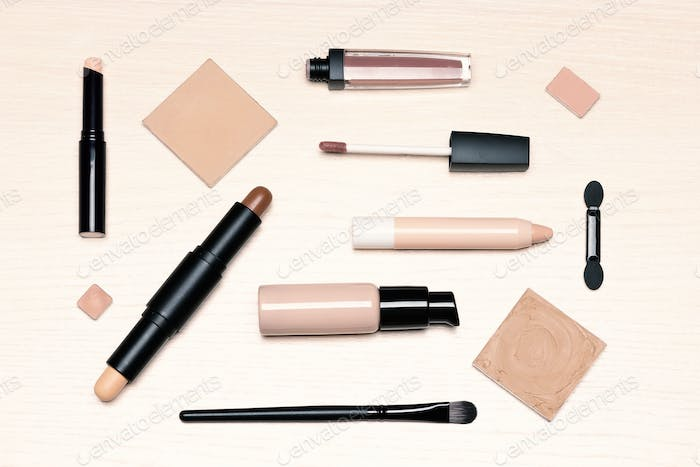 Beauty products for natural make-up