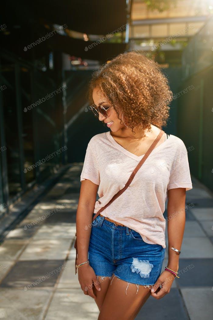 junge afrikanische amerikanische Stadt Mädchen