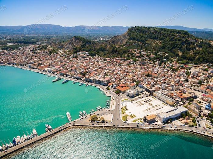 Vista Aéreo de la Ciudad de Zakynthos en la Isla de Zante, en Grecia